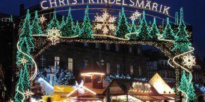 le marché de Noël de Strasbourg s'illumine pendant votre croisière en Alsace